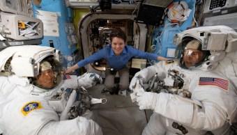NASA podría enviar a la primera mujer a la Luna en 2024