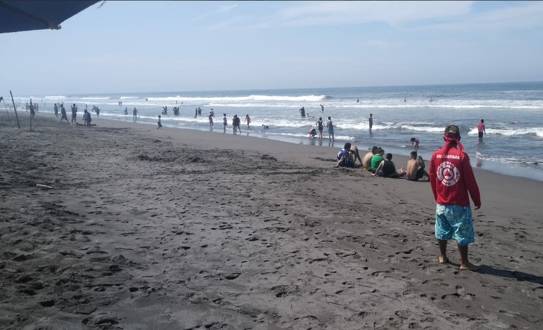 Foto: Detectan la presencia de marea roja en Manzanillo, Colima, 1 de mayo 2019. Twitter @PC_Colima