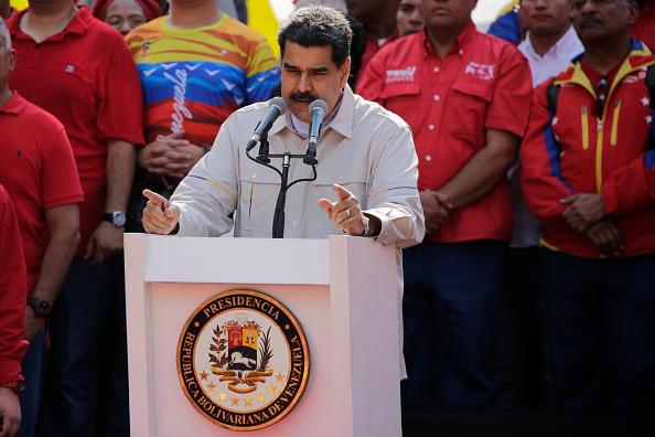 Foto: El presidente de Venezuela, Nicolás Maduro, durante una reunión con simpatizantes en las afueras del Palacio de Miraflores en Caracas, Venezuela, 17 mayo 2019