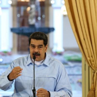 Maduro denuncia que Venezuela sufre 'bloqueo naval comercial' y aéreo