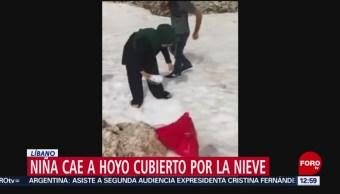 Niña cae a hoyo cubierto por nieve en Líbano