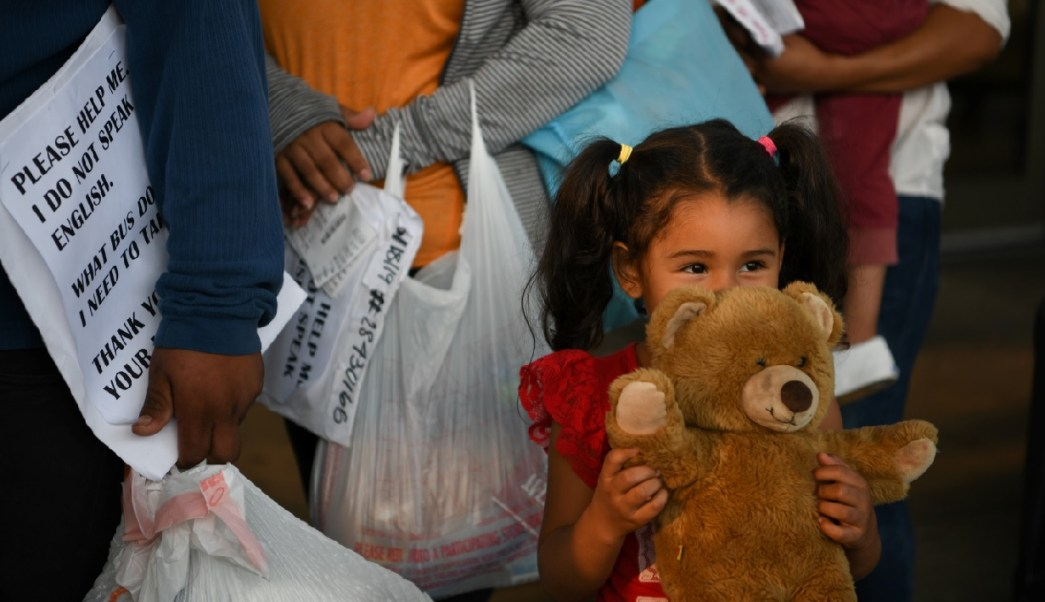 EEUU investiga casos de niños que migrantes hacen pasar por hijos para no ser deportados