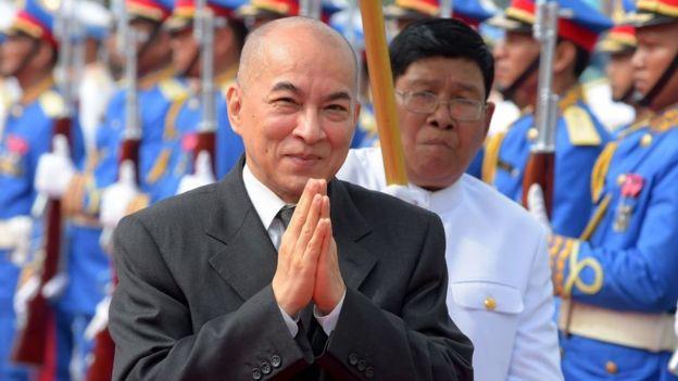 Norodom Sihamoní es el rey constitucional de Camboya desde 2004, después de la abdicación de su padre, Norodom Sihanouk (GettyImages)