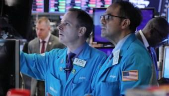Foto: Los comerciantes trabajan en el piso de la NYSE en Nueva York, mayo 6 de 2019 (Reuters)