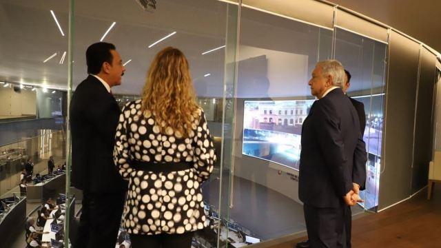 Foto: El gobernador de Hidalgo Hidalgo, Omar Fayad, junto al presidente Lopez Obrador y su esposa, la señora Beatriz Gutiérrez Müller, en la inauguración del C5, 8 mayo 2019