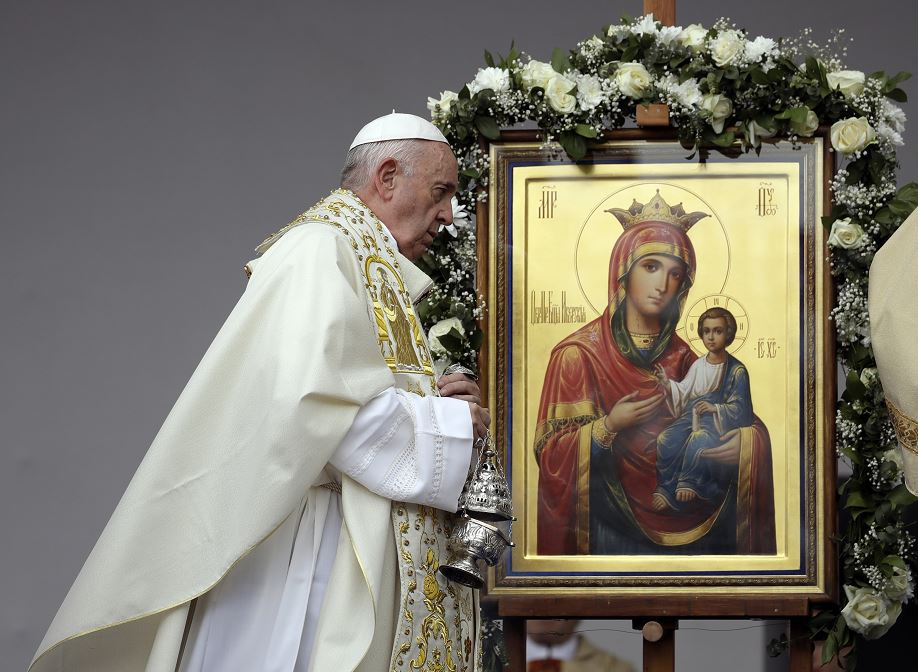Foto: El papa Francisco celebra una misa en la plaza Knyaz Alexandar, en Sofía, Bulgaria, 5 mayo 2019