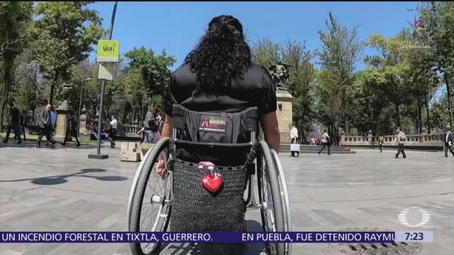 Personas con discapacidad quedan fuera de programas sociales de AMLO