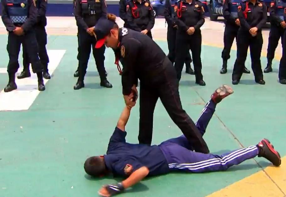 Capacitan a más de dos mil policías capitalinos para frenar agresiones
