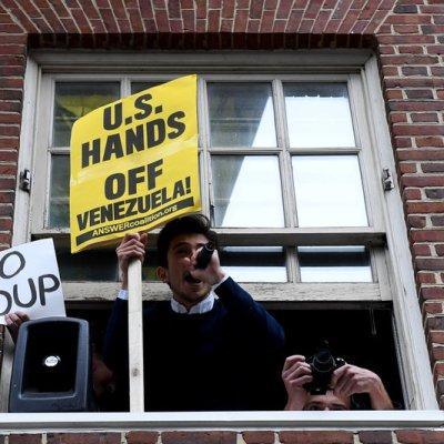 Venezuela: Maduro propone diálogo mientras Guaidó convoca a paro