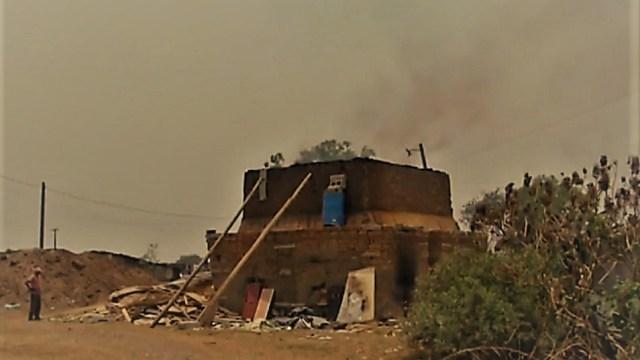 Ni contingencia ambiental frena actividades de tabiqueras de Chalco