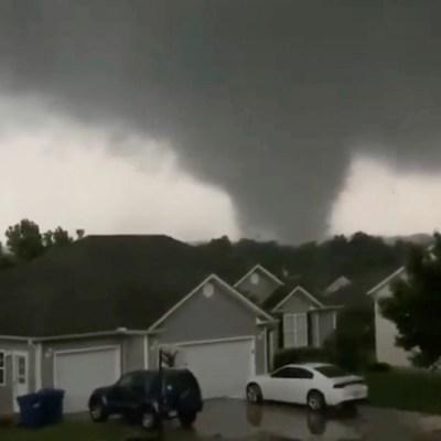 Violento y destructivo tornado azota Missouri; hay tres muertos