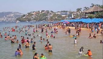 Foto: turistas en el puerto de Acapulco, 10 de mayo 2019. Twitter @PoliturAcapulco
