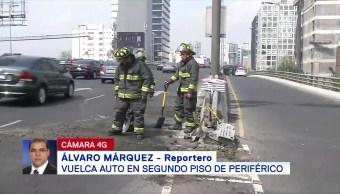 Vuelca automóvil en Periférico en la CDMX