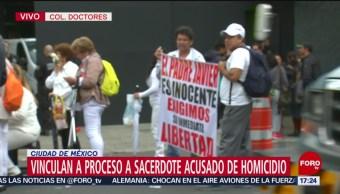 """Foto: 7 horas duró audiencia del sacerdote Francisco """"N"""" por caso Avendaño"""