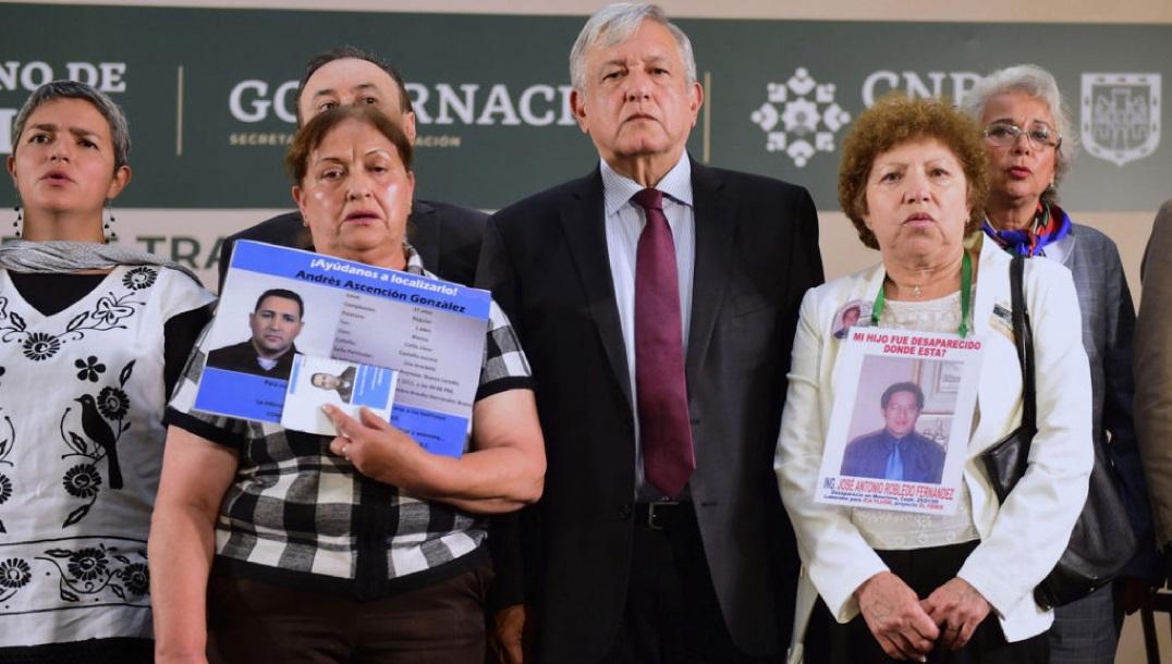 AMLO se reúne con familiares de personas desaparecidas