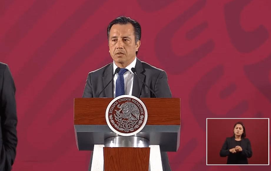 FOTO AMLO refrenda respaldo a Cuitláhuac García, ante denuncias de nepotismo (YouTube 14 junio 2019)