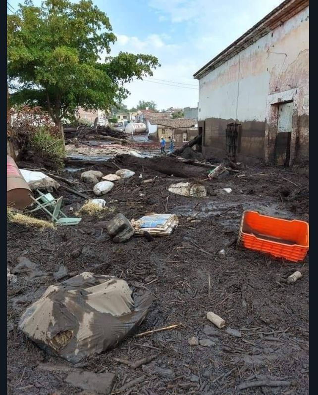 Desbordamiento del río Apango, en Jalisco, deja un muerto; suspenden clases