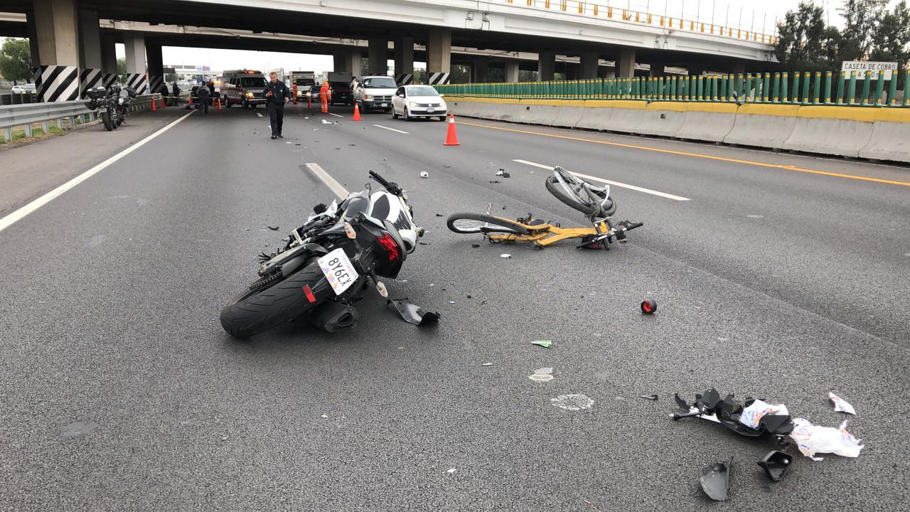 FOTO Ciclista atropellado por moto muere en la autopista México-Pachuca (Noticieros Televisa 13 junio 2019 edomex)