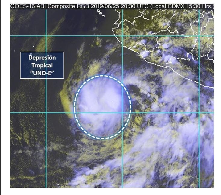 Se forma la depresión tropical 1-E; se ubica al suroeste de Colima