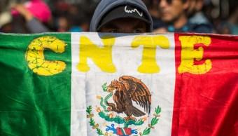CNTE desplaza a maestros que se niegan a suspender clases por movilizaciones