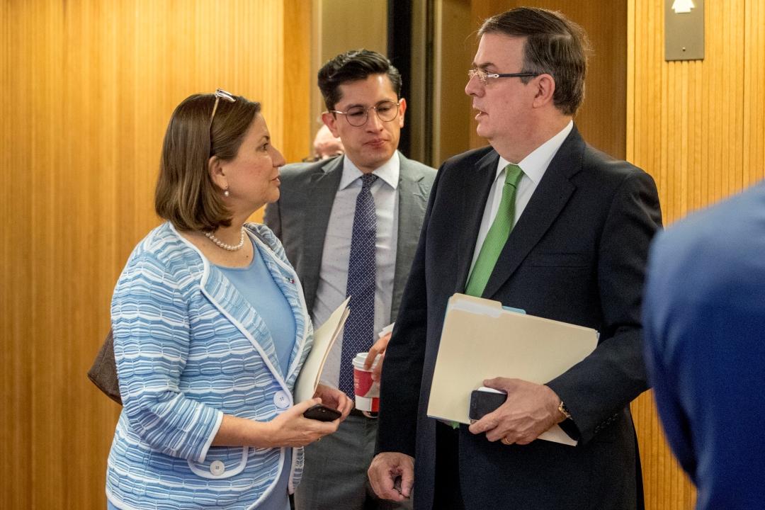 Foto: El canciller mexicano Marcelo Ebrard y la embajadora de México en Estados Unidos, Martha Bárcena, 7 junio 2019