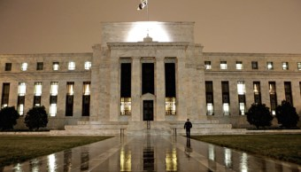 Grandes bancos de EU superan pruebas de estrés de la Fed