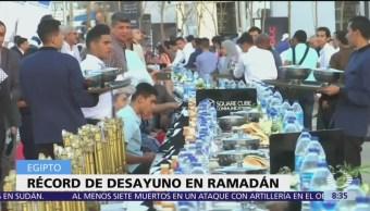 Egipto impone récord con mesa más grande de Ramadán