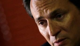 Emilio Lozoya deberá presentarse ante el juez en tres días FGR