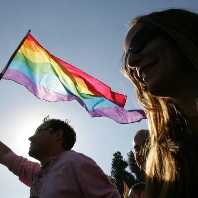 Ecuador aprueba matrimonio gay