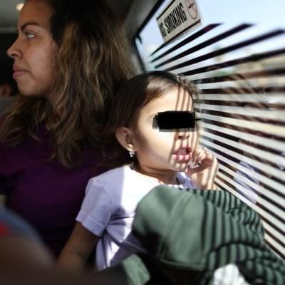Retiran a niños migrantes de centro de detención en Texas por falta de alimentos