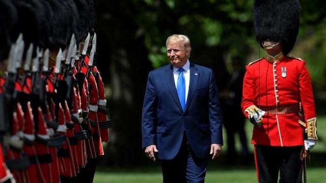 Foto: El presidente de Estados Unidos, Donald Trump, inspecciona una guardia de honor en el Palacio de Buckingham. El 3 de junio de 2019