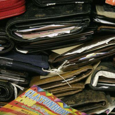 Personas tienden a regresar carteras perdidas si tienen dinero; México y Perú, la excepción