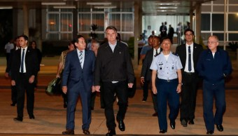 Foto: El presidente de Brasil, Jair Bolsonaro, camina en la base aérea de Brasilia antes de su viaje a Japón para la cumbre del G20. El 25 de junio de 2019