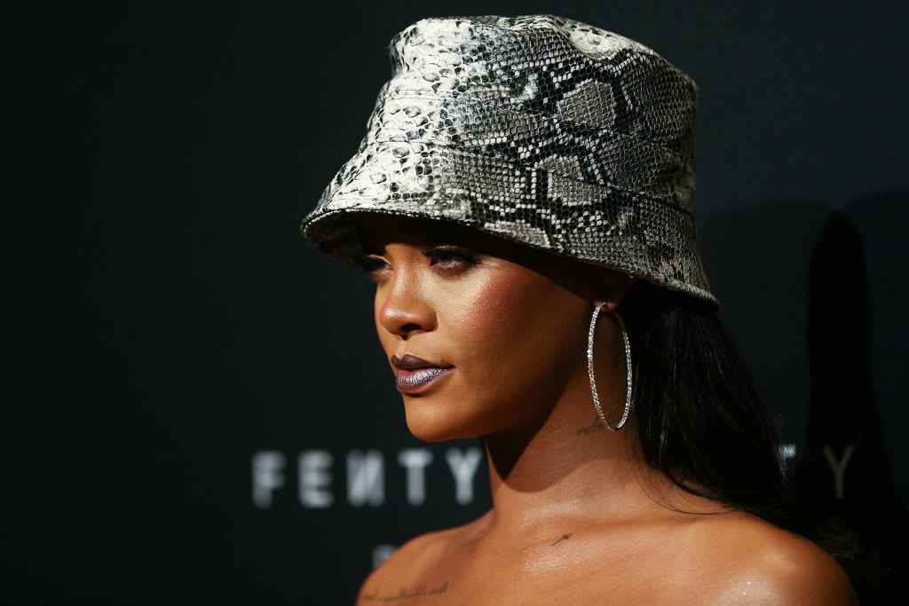 Resultado de imagen para Rihanna la cantante más rica del mundo de acuerdo a la Revista Forbes