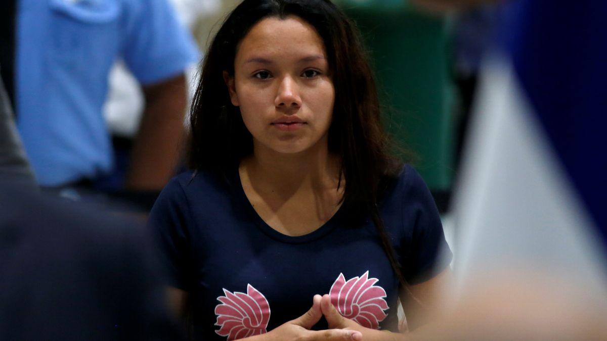 Tania Ávalos, viuda Óscar Alberto Martínez la pequeña Angie Valeria, ahogados en el Río Bravo. El 28 de junio de 2019