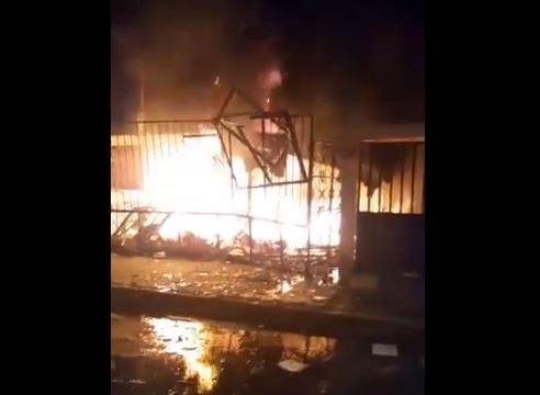 Foto: Incendio en la calle Crescencio Magaña en la Unidad Habitacional Vicente Guerrero, alcaldía de Iztapalapa, 12 junio 2019