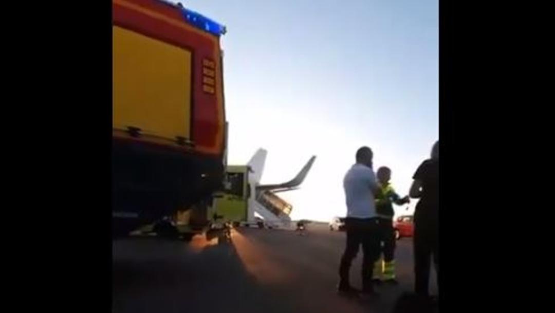 Foto: Al aterrizar 10 pasajeros fueron llevados a un hospital por contusiones, 19 junio 2019