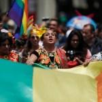 Marcha-LGBT-Orgullo-gay-Paseo-Reforma-Calles-cerradas