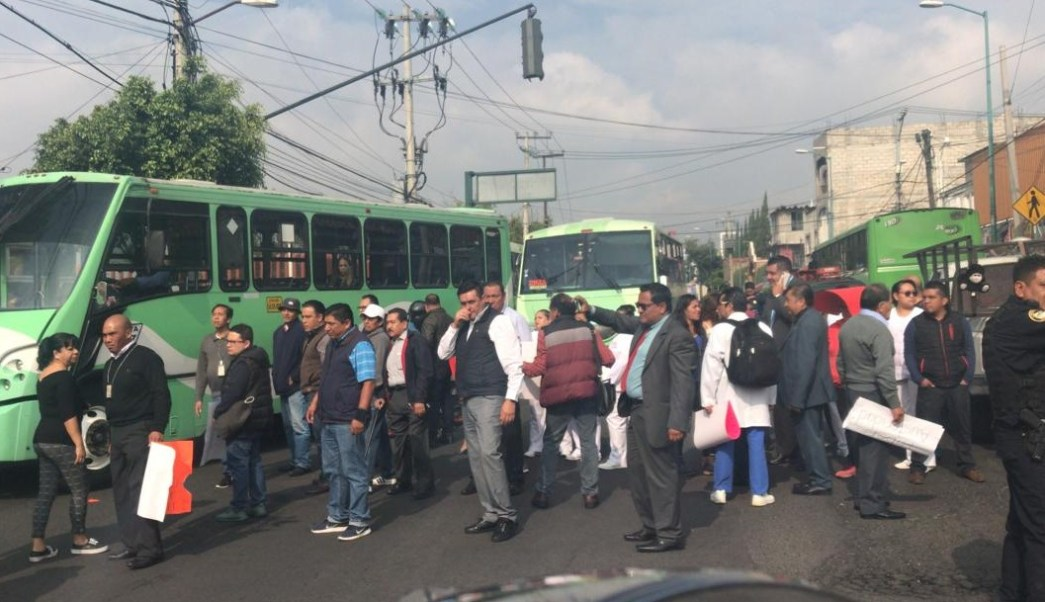 FOTO Marchas hoy en CDMX; médicos y enfermeras bloquean Avenida Centenario, en alcaldía Álvaro Obregón (Noticieros Televisa 19 junio 2019 cdmx)