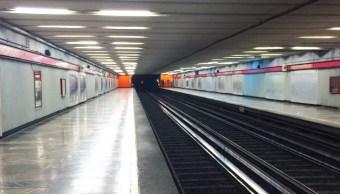 foto Muere mujer tras arrojarse a vías del Metro Juanacatlán 28 junio 2019
