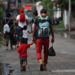 Foto: Migrantes guatemaltecos durante su ingreso a México