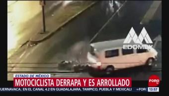 FOTO: Motociclista derrapa y es arrollado en el Estado de México