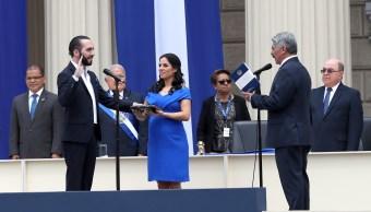 Foto: El empresario Nayib Bukele (i) asume la Presidencia de El Salvador para el período 2019-2024
