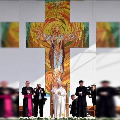 El papa Francisco pide en Rumania acabar con los 'rencores'