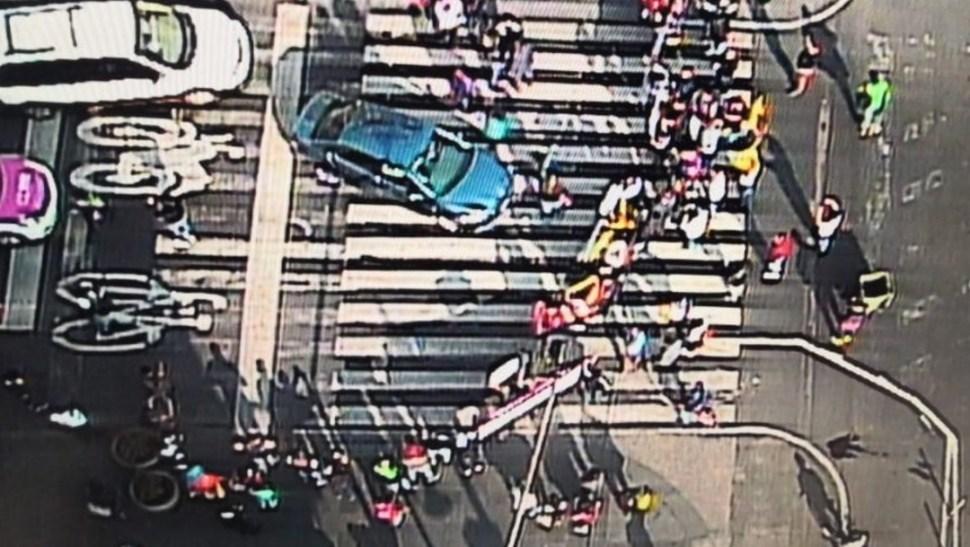 Foto: Manifestantes en Plaza de la Constitución,20 de junio de
