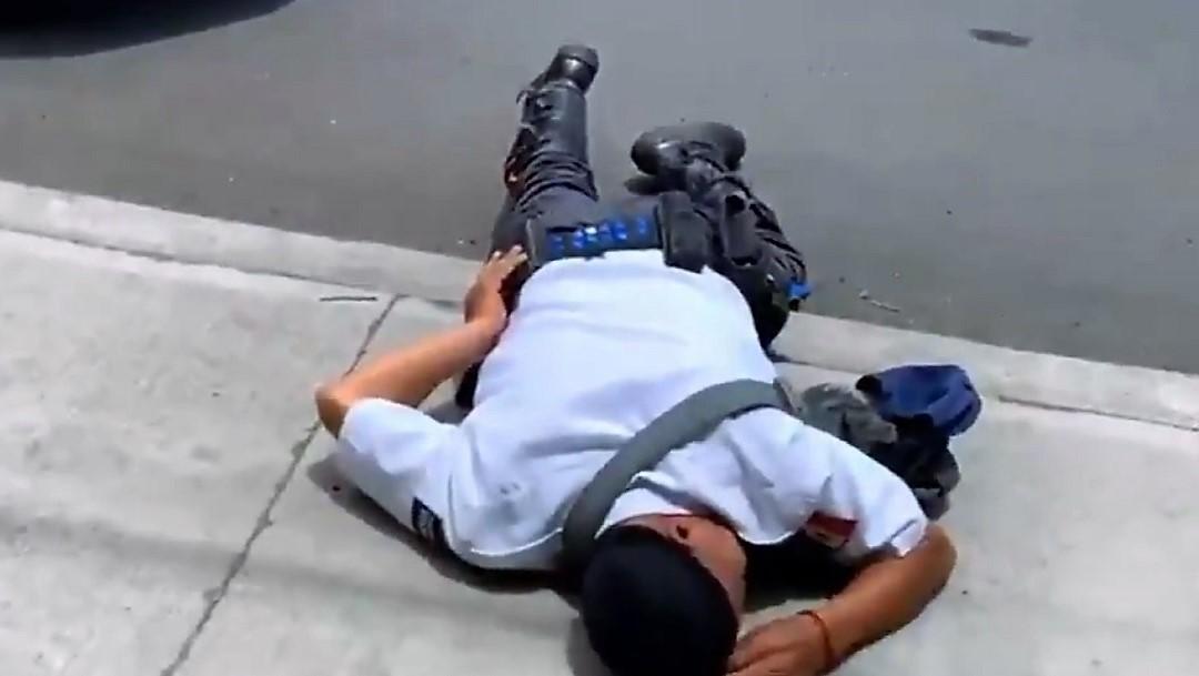 Por una infracción vial, un hombre noquea a policía en Irapuato, Guanajuato