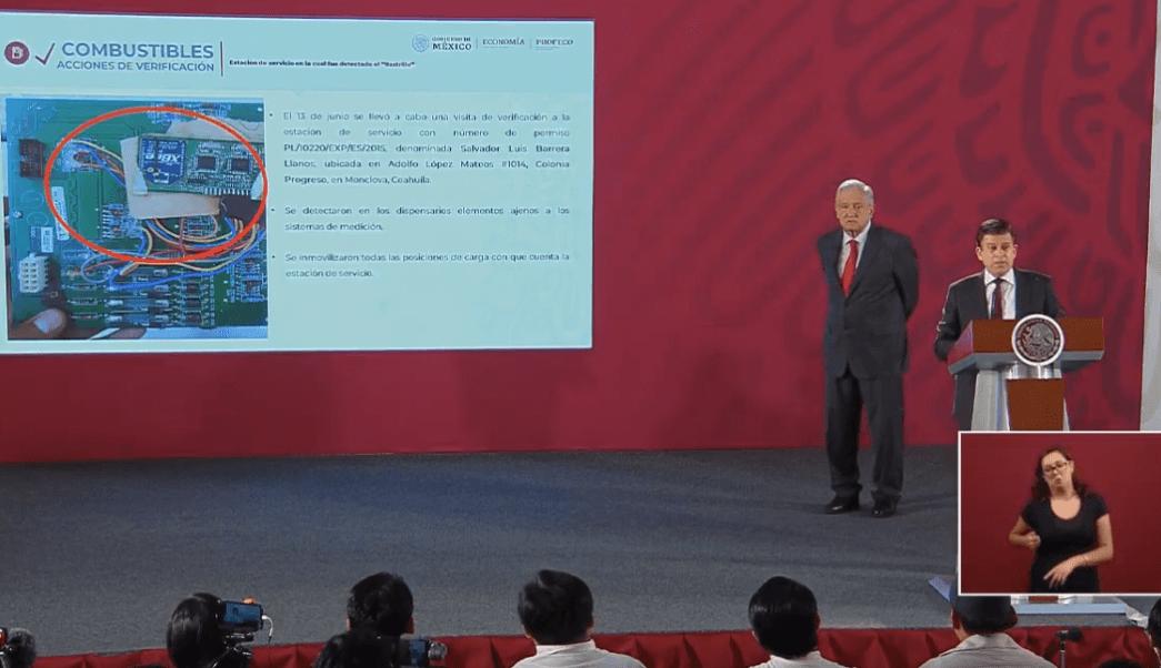Foto: Sheffield Padilla, titular de Profeco, durante conferencia de AMLO, 17 de junio de 2019, Ciudad de México