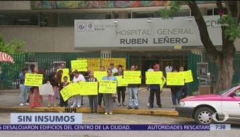 Protestan en Hospital Rubén Leñero por falta de insumos