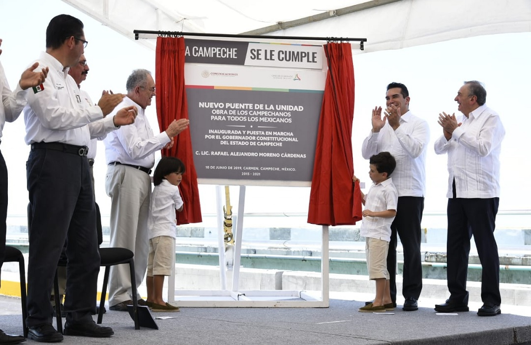 Foto: inauguración del 'Puente la Unidad' en Campeche, 10 de junio 2019. Twitter @alitomorenoc