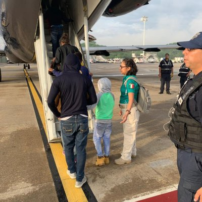 Repatrian a 108 migrantes centroamericanos de Tabasco a Honduras